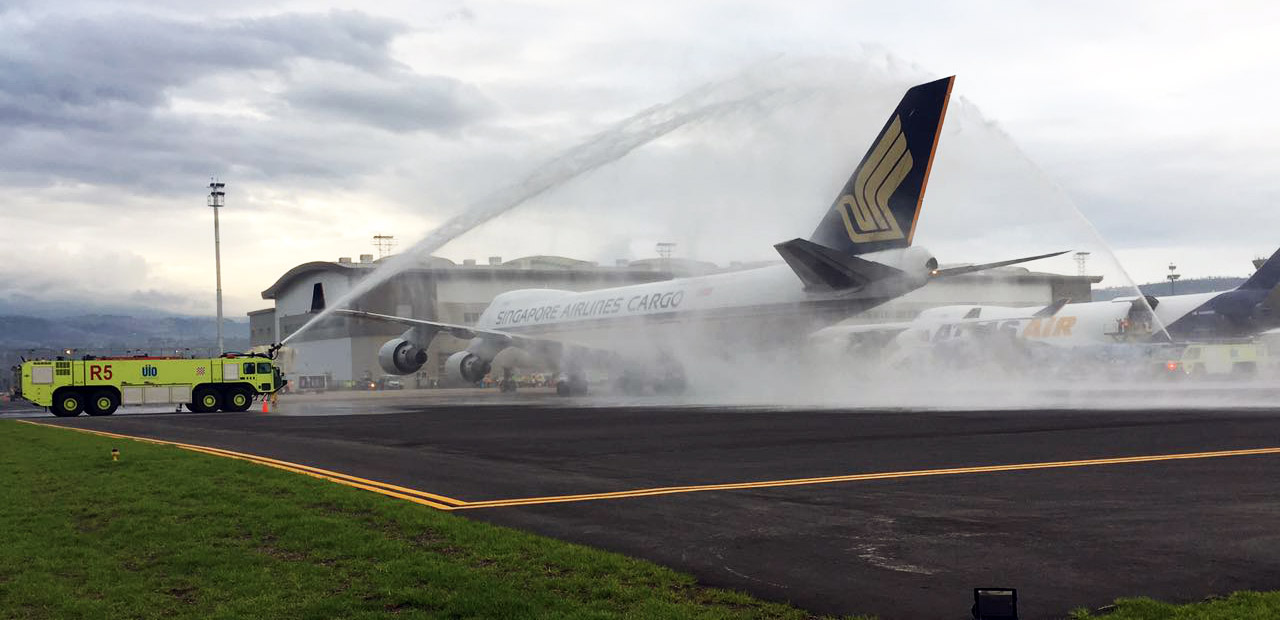 Singapore Airlines arrived in Quito for the Valentine's Day flower export season.