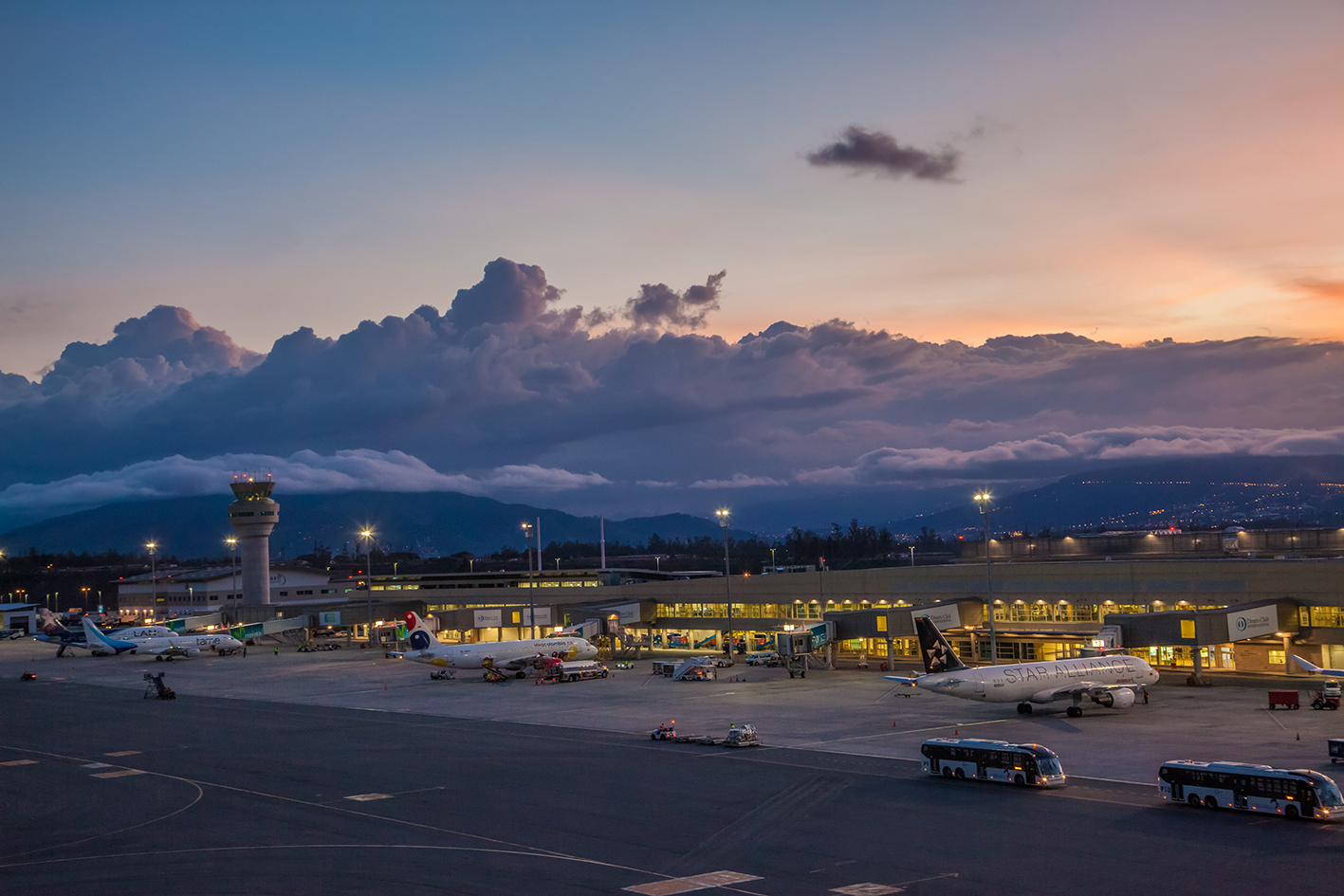 THE MARISCAL SUCRE INTERNATIONAL AIRPORT  CELEBRATES FIVE YEARS OF SUCCESSFUL OPERATION