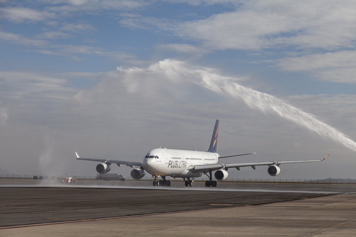Plus Ultra Líneas Aéreas launches its new route between Ecuador and Spain to create connections and unite people