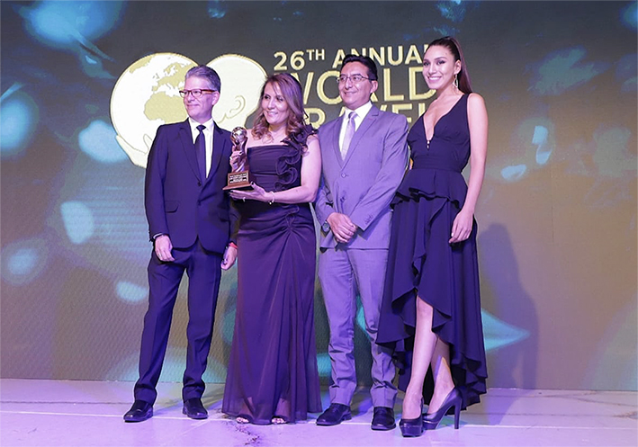 WORLD TRAVEL AWARDS aeropureto lider sudamerica 2019 quito copy2
